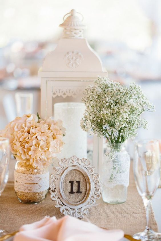 Looking for romantic wedding table centerpieces? Check our favorite 32 stunning examples for inspiration. floral centerpieces; wedding decors; wedding reception ideas; #weddingdecorations #wedding #weddingdecors #weddingreception