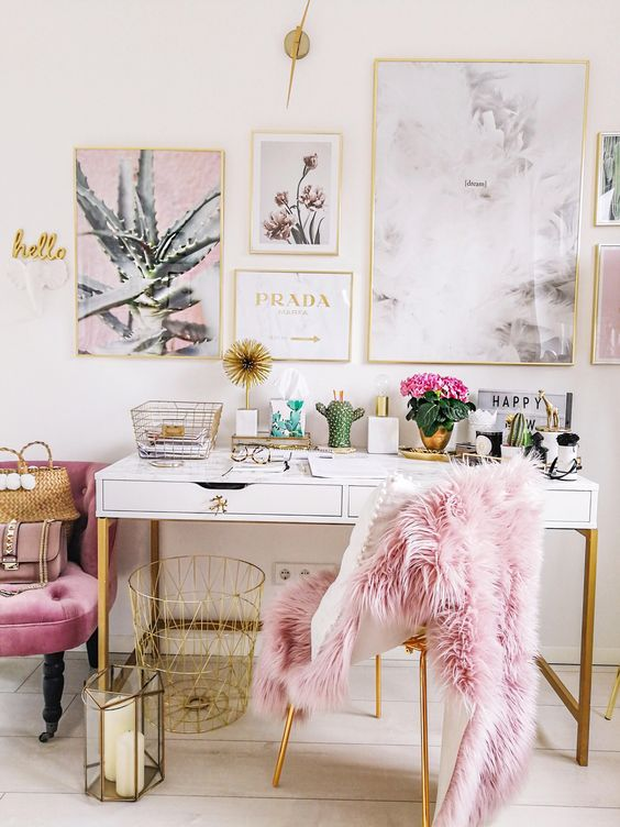 Pink home office; home office ideas; chic home office; modern home office; #homeoffice #homedesigns #homedecors