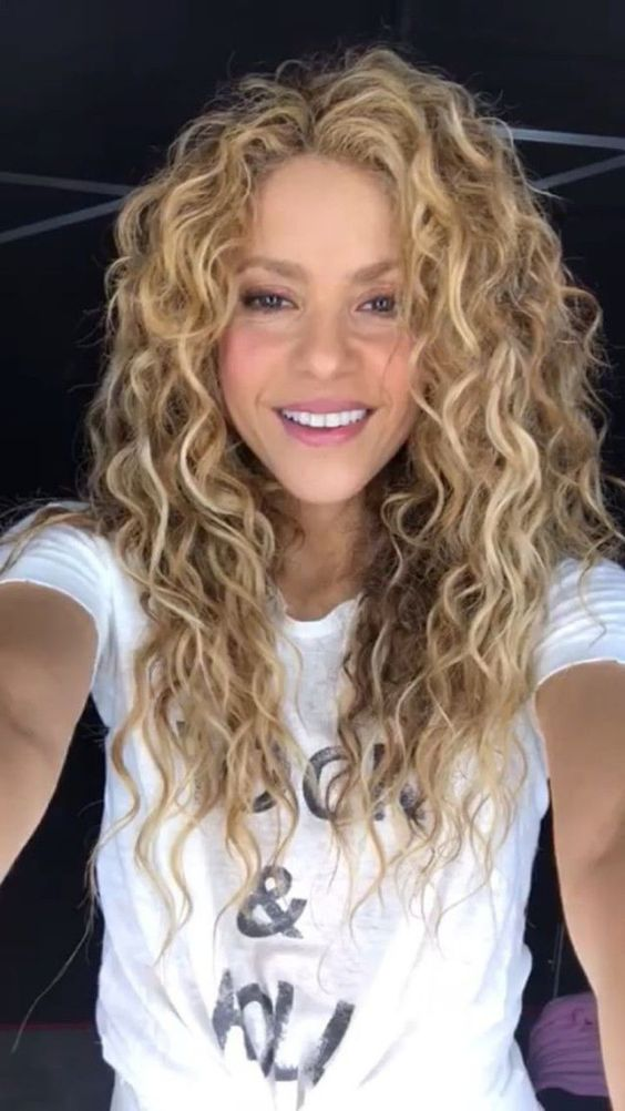 58 Chic Curly Hairstyles For Women 2019 Page 51 Of 58