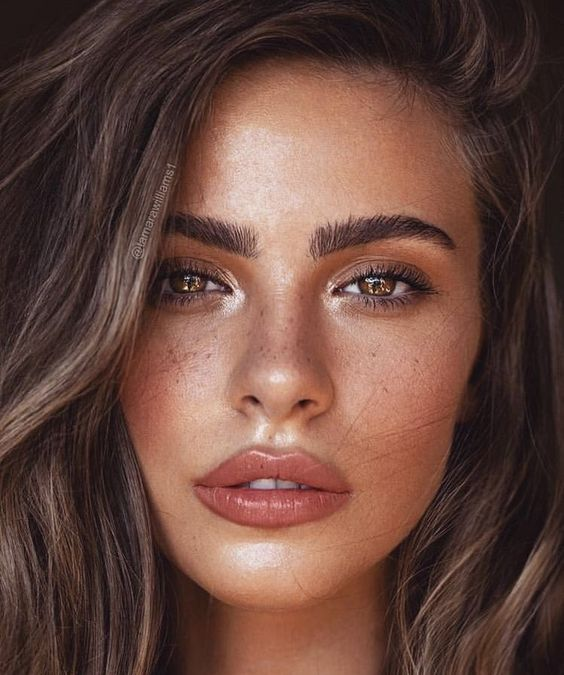Summer Make up,A light base makeup,Fun Looks, Summer Eye Make up,Sun-kissed tanned look with makeup