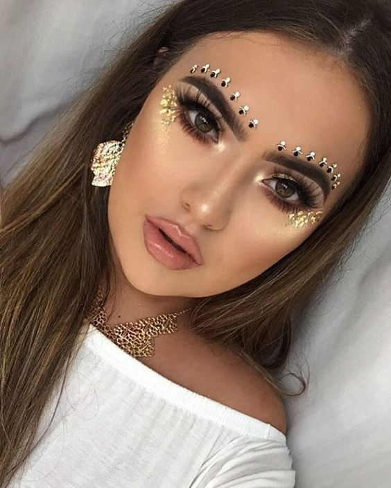 Attractive Make-ups, Dramatic Make-ups, Highlight, Smokey eye shadow